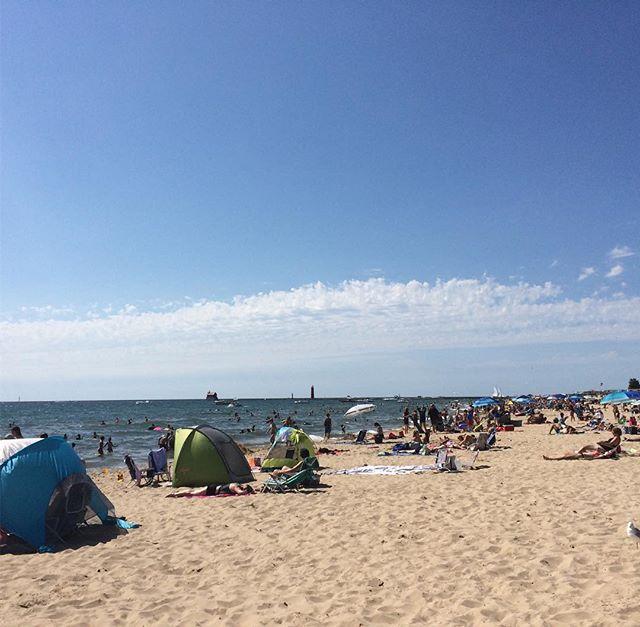 At the beach. #hlomi